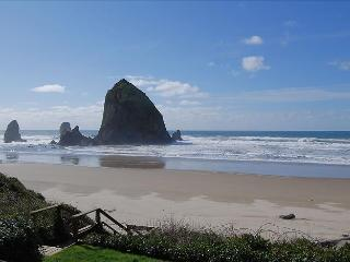 Cozy House with Internet Access and Washing Machine - Cannon Beach vacation rentals