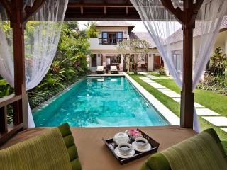 VILLA SONGKET - by BaliOn - Seminyak vacation rentals