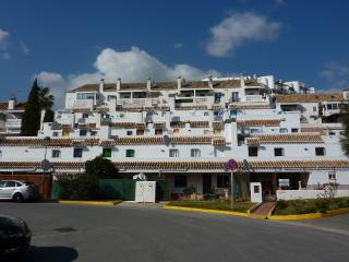 Apartment with communal pool near the golf course - Velez-Malaga vacation rentals