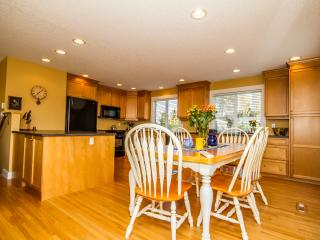 Your Family Escape Awaits - Young at Heart Cottage - Parksville vacation rentals