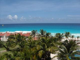 Upgraded Ocean View Studio In  Hotel Zone  Awarded Super Host Status - Cancun vacation rentals