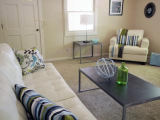 Stylish Cozy Casa in Downtown Paso Robles  2B / 2B - San Luis Obispo County vacation rentals