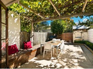 Erko Terrace-2 Bedroom inner city house. - Sydney vacation rentals