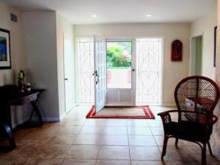 Entrance foyer - 1 Block to Coronado Beach! Newly Remodeled Home - Coronado - rentals