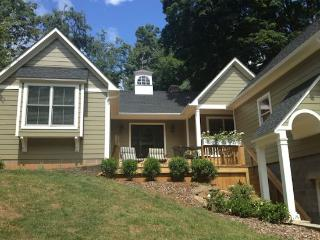 Jasmine Cottage in University residential neighborhood - Charlottesville vacation rentals
