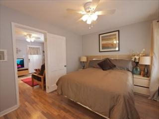 1bd/1bth and just 1.5 miles to Old Town! Updated! - Pasadena vacation rentals