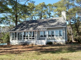 Nice Cottage with Internet Access and A/C - White Stone vacation rentals