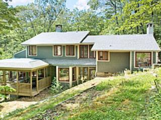 Bright 5 bedroom House in Montreat with Deck - Montreat vacation rentals