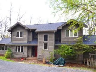 Spacious 4 bedroom Swanton House with Hot Tub - Swanton vacation rentals