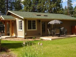 Beautiful 2 bedroom Vacation Cabin in Tollgate - Sisters vacation rentals