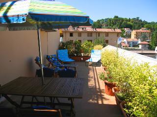 Terrazza Tetto. Car Unnecessary. Rome 1 hr 15 mins - Spoleto vacation rentals