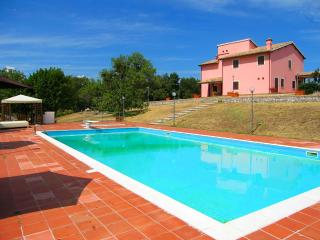 VILLA VALLOCCHIA/SLEEPS 14 - 3 mls/Spoleto centre - Spoleto vacation rentals