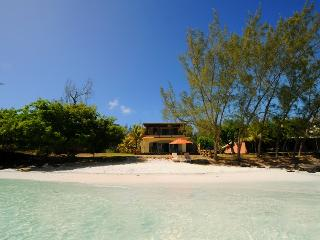 Beautiful 7 bedroom Vacation Rental in Roches Noire - Roches Noire vacation rentals