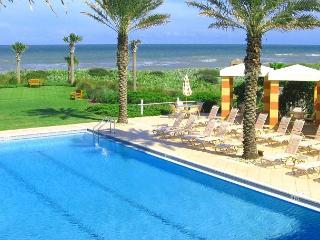 632 Cinnamon Beach, 3rd Floor Ocean Front, 2 Heated Pools, Sleeps 11, Wifi - Palm Coast vacation rentals