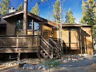 1BR + 2 loft/2BA Updated Condo - sleeps up to 8 - South Lake Tahoe vacation rentals
