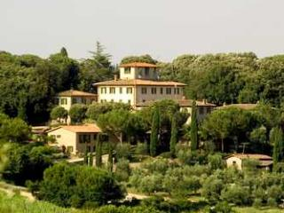 Family-Friendly Apartment Close to Siena - Terra di Siena 7 - Siena vacation rentals