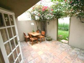 Nice Condo with A/C and Stove - Los Angeles vacation rentals