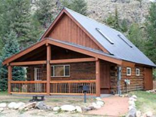 Modern and Roomy 2BR Cabin with Large Loft at Three Rivers Resort in Almont (#29) - Almont vacation rentals