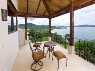 4 bedroom House with Internet Access in Playa Flamingo - Playa Flamingo vacation rentals