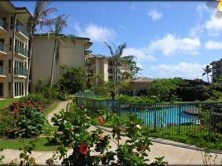 The LARGEST** ground floor Suite * Wai & 3 BEDS 2 Queen 1King - Kapaa vacation rentals