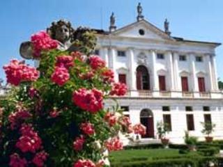 4 bedroom Villa in Levada, Veneto, Italy : ref 1719102 - Badoere vacation rentals