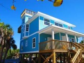 Bright House with Deck and Dishwasher - Captiva Island vacation rentals