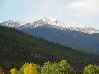 Estes Park cabin with Spectacular Mountain Views! - Estes Park vacation rentals
