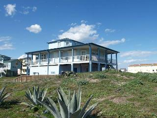 Beachfront! Beachfront!! Beautiful home on Sandpoint Circle in Port Aransas! - Port Aransas vacation rentals
