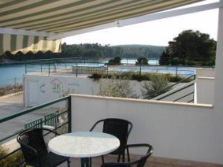 2422 Limun(2+2) - Milna (Brac) - Milna (Brac) vacation rentals