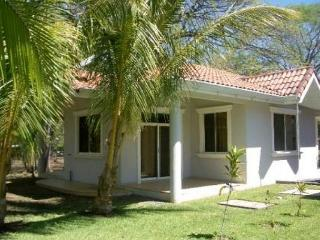 Casa Monos - Cozy Casa Near the Beach - Playa Hermosa vacation rentals