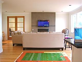 Lopez VistaBay House >BEST LOCATION, BEST DECOR, BEST SERVICE - Lopez Island vacation rentals