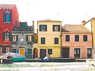 Casa Tre Archi, overlooking Cannaregio Canal - Venice vacation rentals