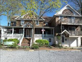 3 bedroom Apartment with Deck in Cape May - Cape May vacation rentals