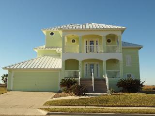 4 bedboom 4.5 bath, luxury beach house in Island Park Estates! - Port Aransas vacation rentals
