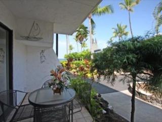 Casa De Emdeko 111 - Groundfloor, Spacious 2bed/2 bath w/ Air Conditioning - Kailua-Kona vacation rentals