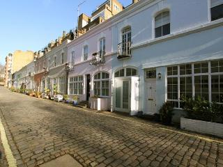 Ennismore Gardens Mews, pro-managed - London vacation rentals
