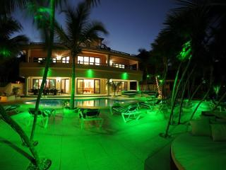 Beachfront Family Vacation -Rated Flipkey Top Rent - Soliman Bay vacation rentals