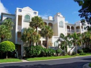 Pebble Creek in Pelican Bay - PB PC 13-201 - Naples vacation rentals
