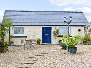 STAR COTTAGE, romantic, with a garden in Saundersfoot, Ref 7478 - Saundersfoot vacation rentals