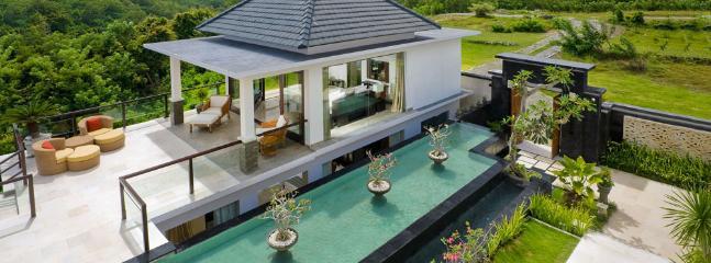 Moonlight Villa - an elite haven - Bukit vacation rentals