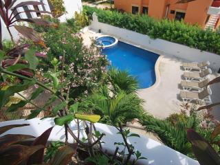 Las Tortugas B1 - Puerto Morelos vacation rentals