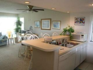 Great Condo, one block to the ocean - Myrtle Beach vacation rentals