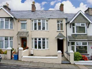 AVONDALE, Victorian bay-fronted, mid-terrace, en-suite, garden, in Borth-y-Gest, Ref 8963 - Wales vacation rentals