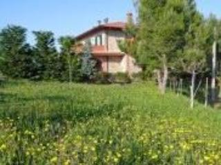 Casa Rondini Ground Floor Apartments - Montegabbione vacation rentals