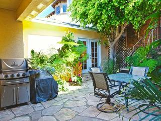 Awesome 3 Bed Gem - Standalone Home with Large Yard, perfect for large groups! - Redondo Beach vacation rentals