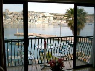 Gorgeous 2 bedroom Apartment in Saint Paul's Bay - Saint Paul's Bay vacation rentals