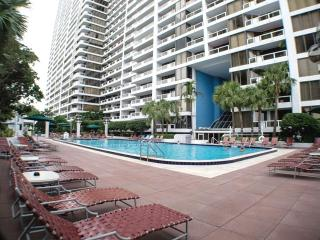 Elegant 2BR Waterfront Condo in Miami - Great Location in the DoubleTree on Biscayne Bay, Just 10 Minutes to South Beach! - Miami vacation rentals