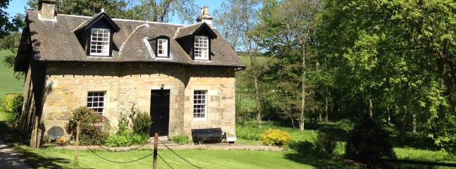 Garden Cottage - Beautiful Country Cottage,  wi-fi & tennis court. - Cupar - rentals