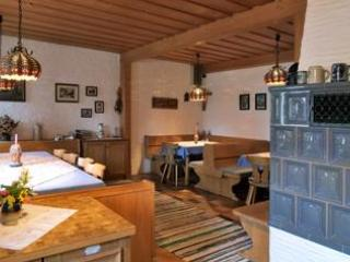 Guest Room in Höslwang - 280 sqft, large backyard/farm, children welcome (# 2180) - Hoslwang vacation rentals
