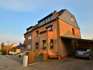 LLAG Luxury Vacation Apartment in Cologne - 667 sqft, relaxing, nice, clean (# 148) - Frechen vacation rentals